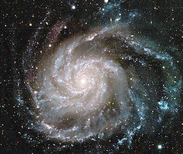 Galaxie-4 dans Pesanteur, Gravitation